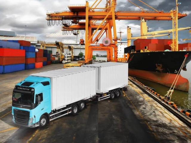 Поставка двух контейнеровозов Volvo FH 6x2