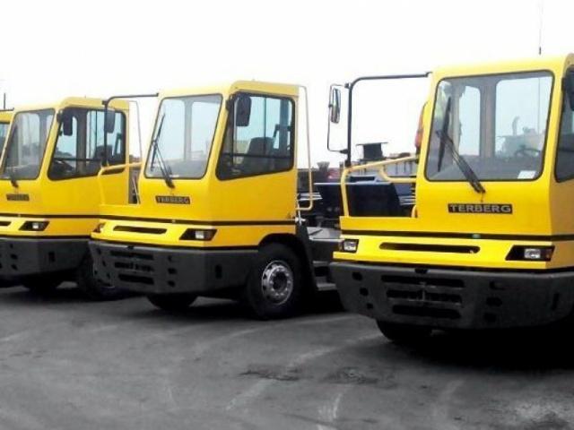 Delivery of 9 (nine) yard tractors TERBERG YT222 4х2