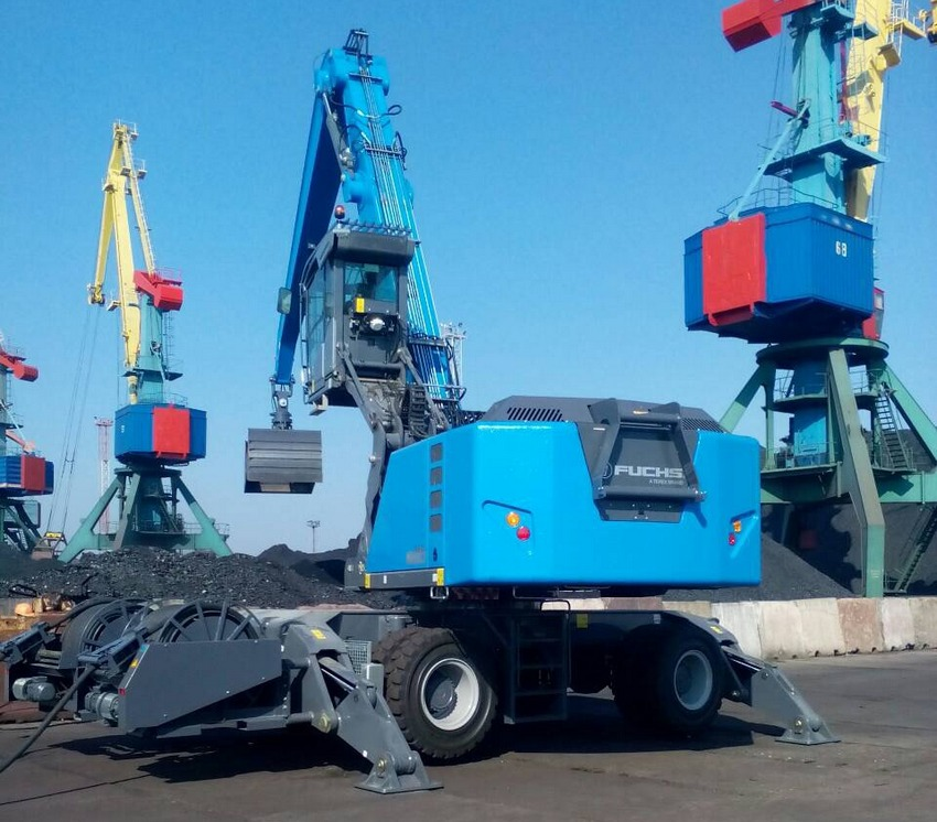 Delivery of hydraulic wheel loader TEREX FUCHS MHL 880